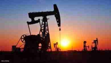 Photo of النفط يتماسك قرب ذروة 3 أشهر